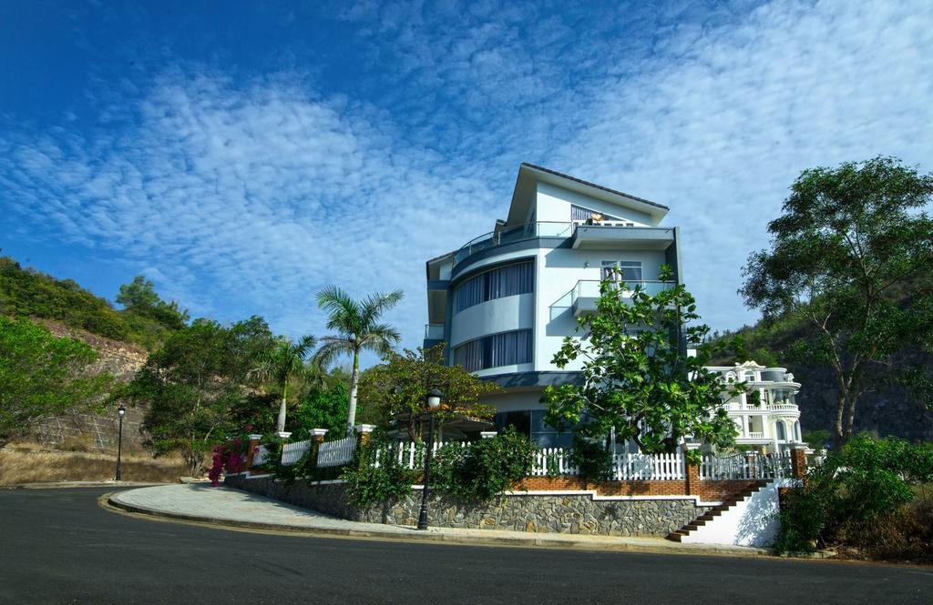 Nha Trang Hills Hotel